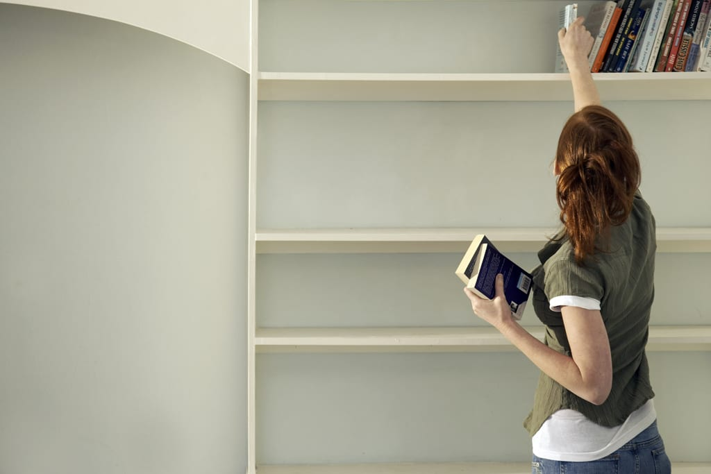 10 reasons you should declutter today