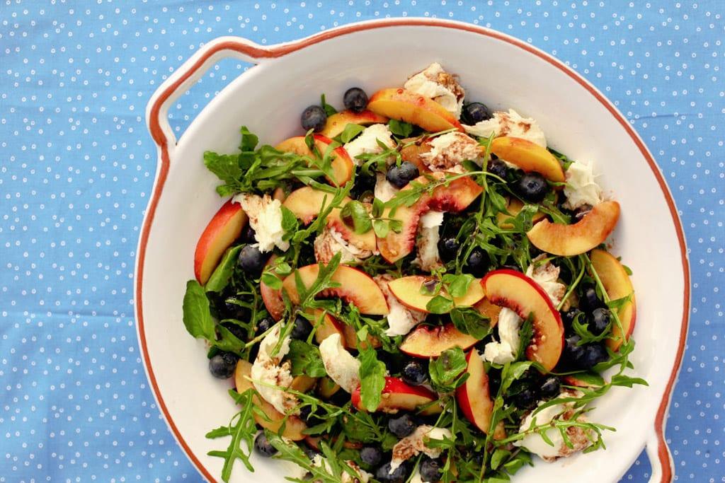 mozarella and peach salad recipe