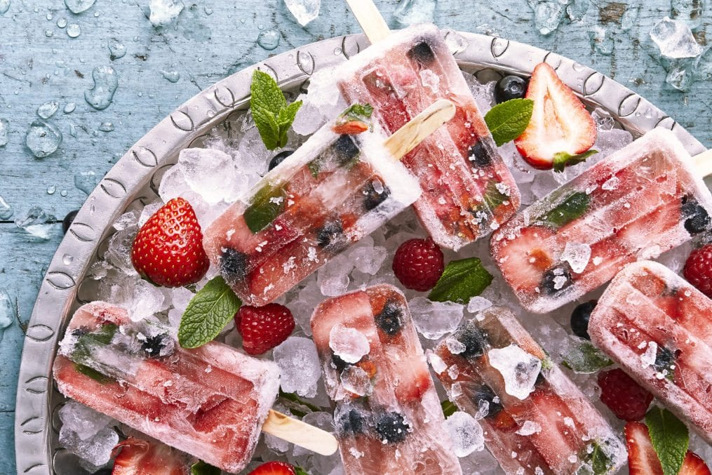 pink-champagne-and-goji-popsicles-image