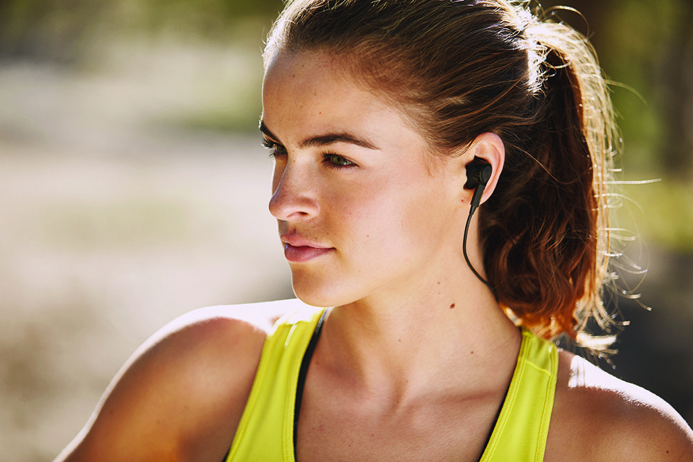 The Jabra Sport Pulse Special Edition, sports bra, woman running, sporty