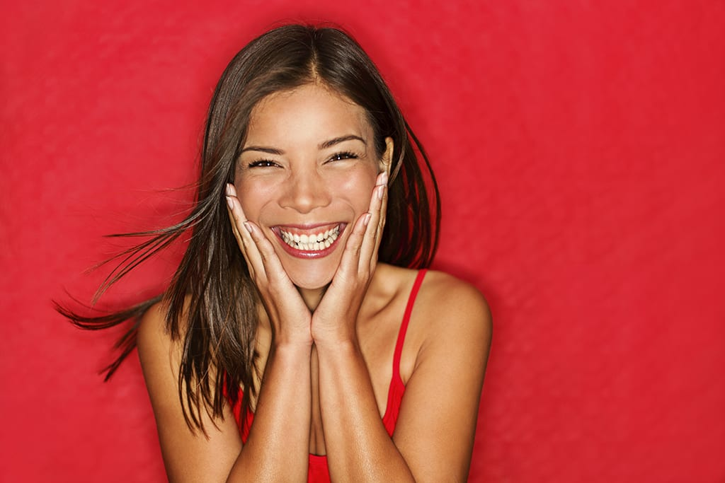 5 surprising benefits of smiling
