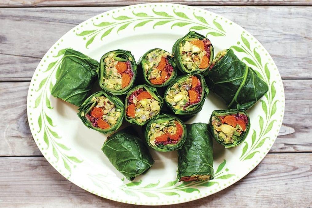 Kale wraps with chickpea-avocado mash