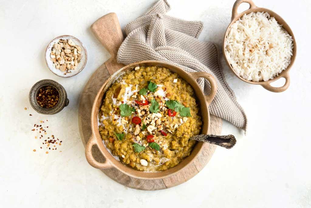 Slow cooker vegan lentil dal